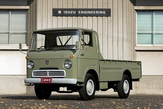 Prvi kamion od 2t na svetu