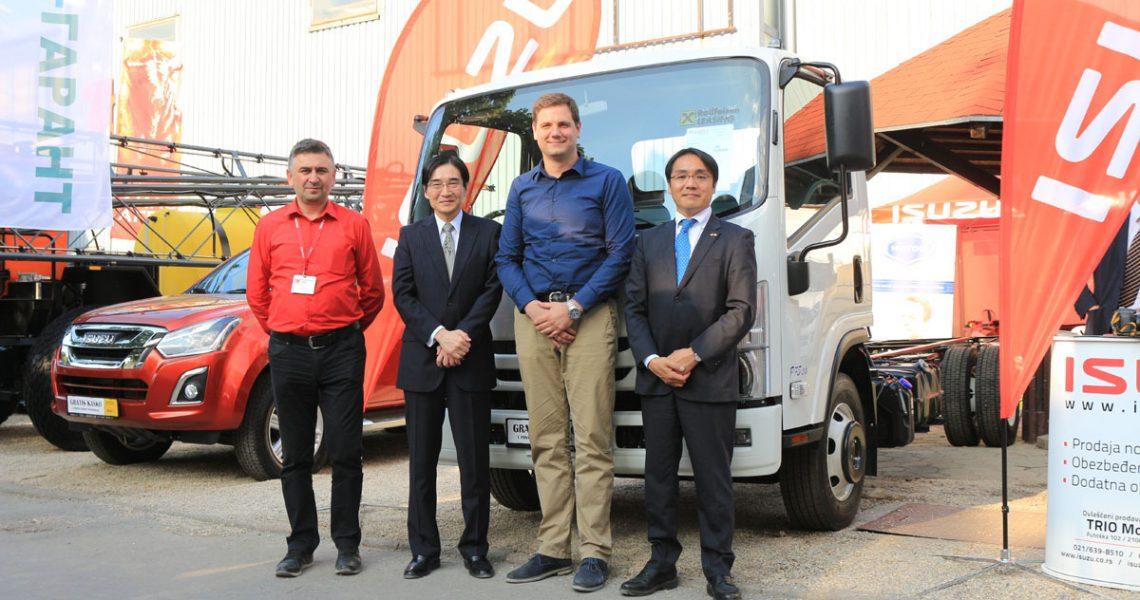 Japanski ambasador u poseti štandu ISUZU vozila na Poljoprivrednom sajmu u Novom Sadu