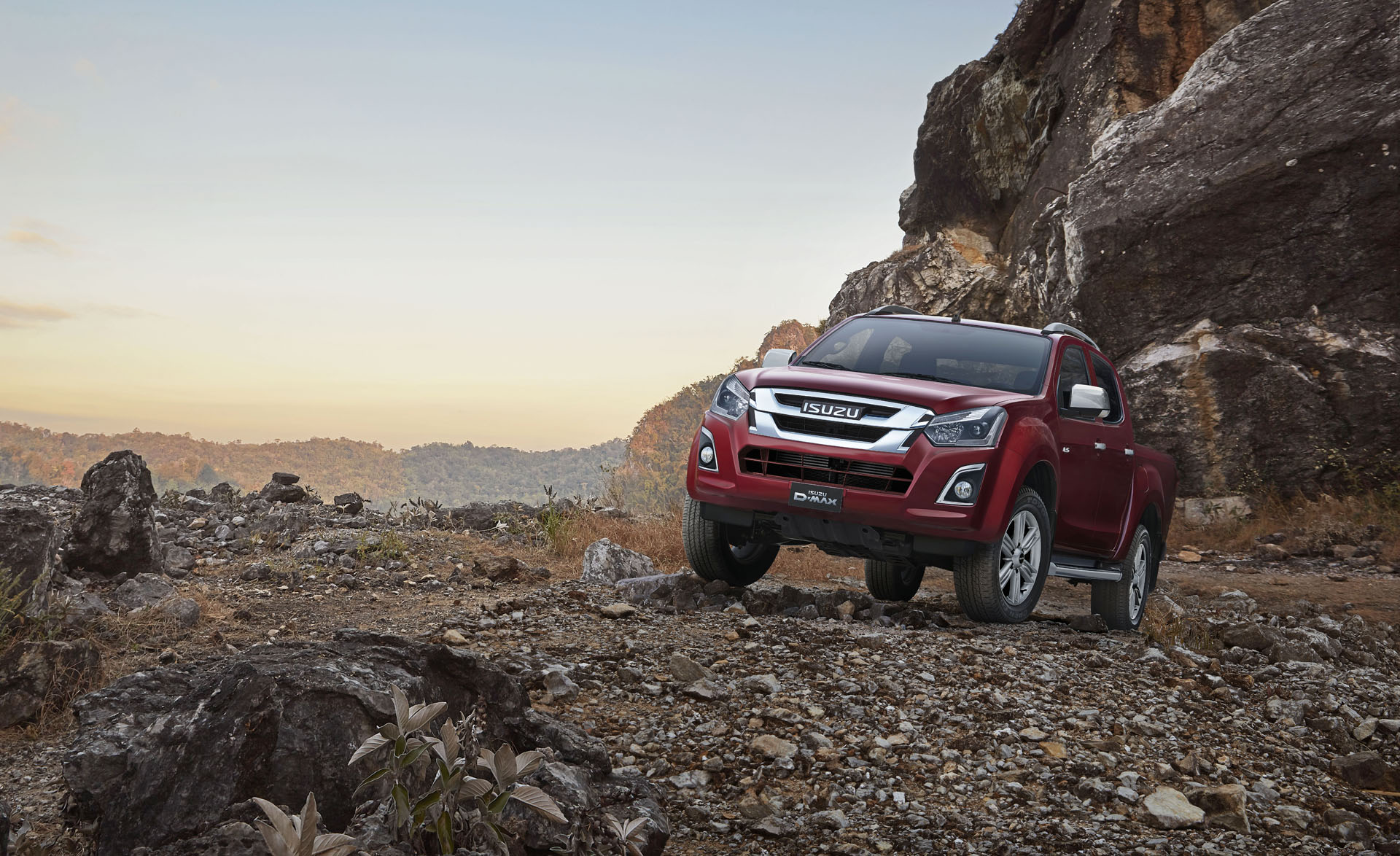 isuzu d-max whatvan? pick-up of the year 2019