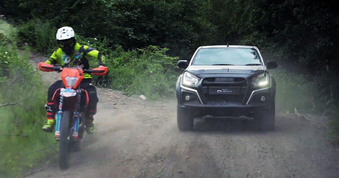 ISUZU D-Max XTR protiv motokros motocikla
